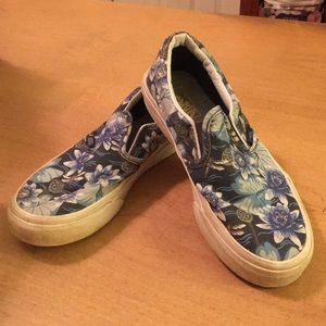 Girls Vans Slip on Floral Sneakers 3